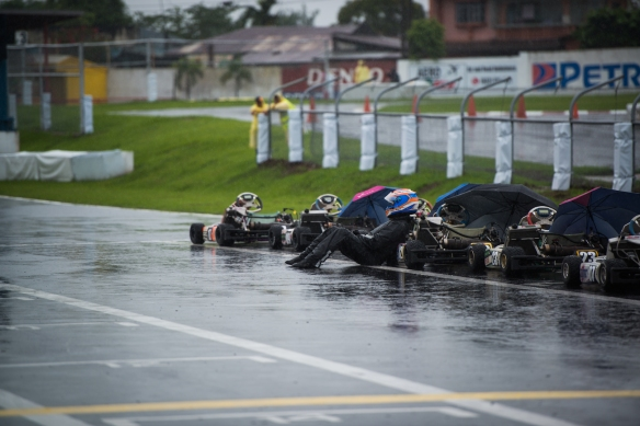Senior Final Race—incessant rain forced stewards to halt the race after 10 laps